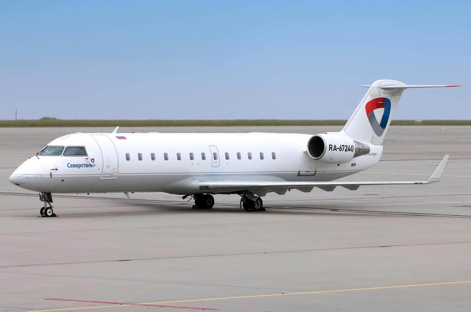 ra-67240-severstal-canadair-cl-600-2b19-regional-jet-crj-200er_PlanespottersNet_700463-1